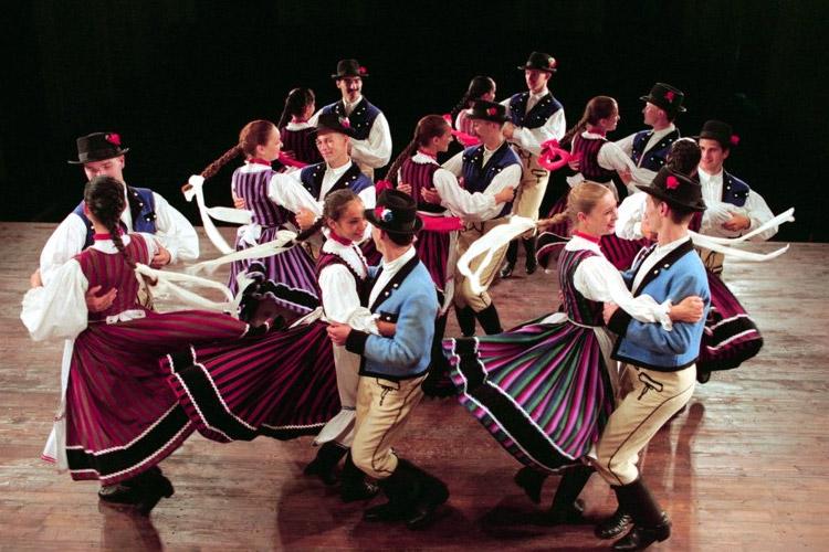 Ano nuevo en Hungria disfrutando del Folclore hungaro1