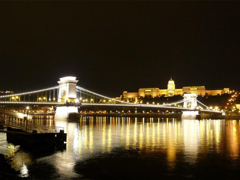 El-puente-de-las-Cadenas-la-union-entre-Buda-y-Pest1