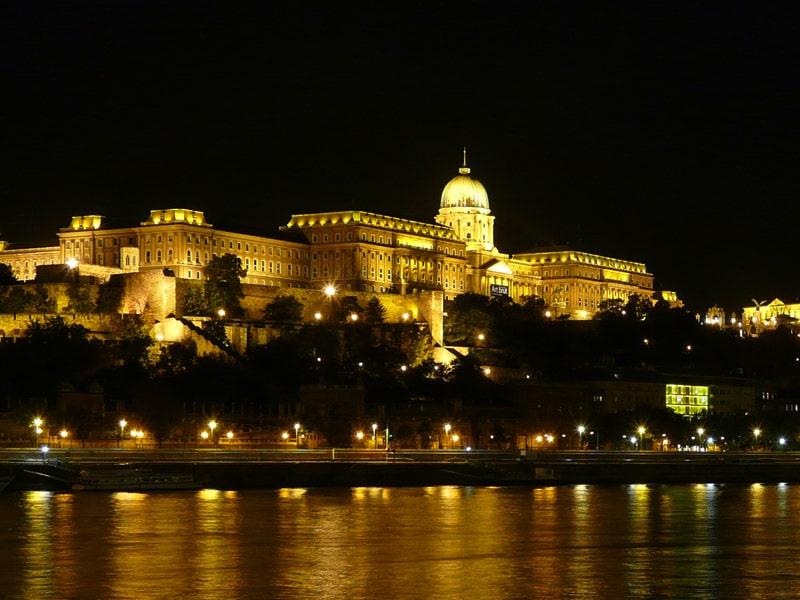 El-Castillo-de-Buda1
