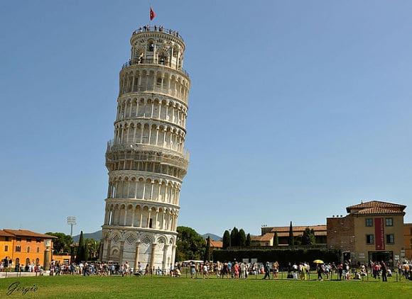 La-famosa-torre-inclinada-de-Pisa3