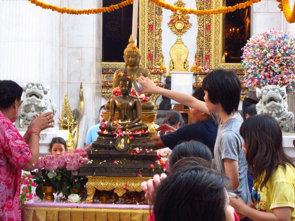 Viaje gratis a Tailandia, tradiciones y culture