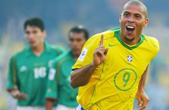 FBL-WC2006-BRAZIL-BOLIVIA-GOAL