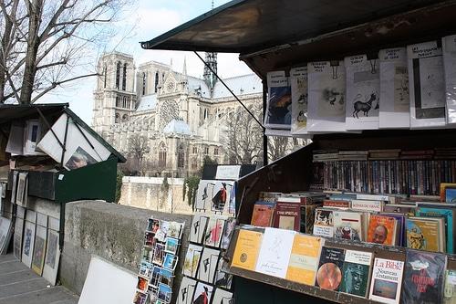Sorteos Online Paseo literario por París con Vargas Llosa