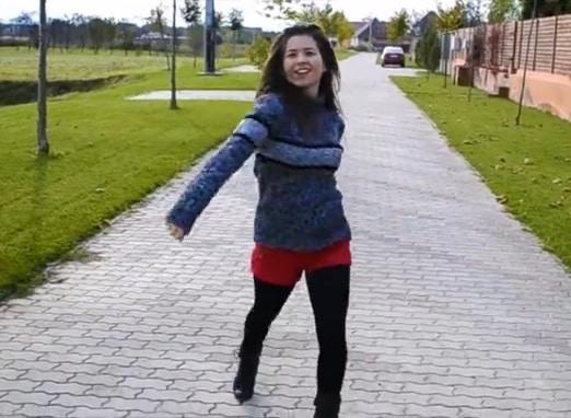 Ana Cristina vive en Rumanía