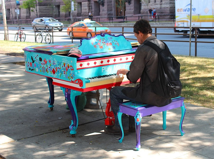 street-pianos-play-me-im-yours-project-toronto1__880