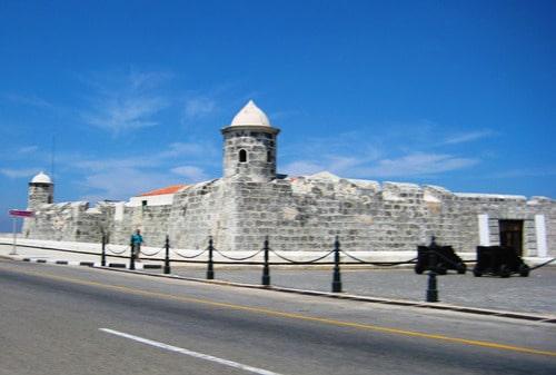 Tu viaje a Cuba tiene que incluir una visita al Castillo de San Salvador de la Punta