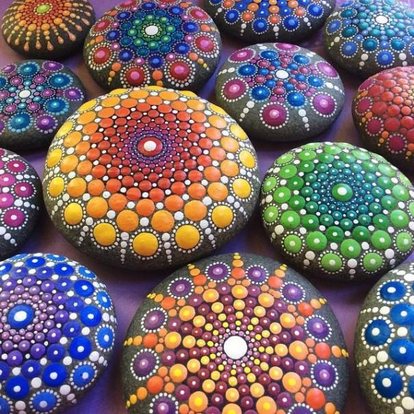 stone-art-mandala-elspeth-mclean-canada-10-605x605