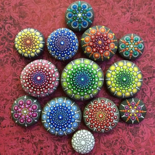 stone-art-mandala-elspeth-mclean-canada-3-605x605