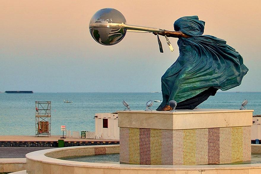 esculturas-fuerza-naturaleza-lorenzo-quinn-7