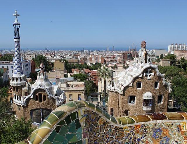 viajes baratos a barcelona_opt (1) (1)