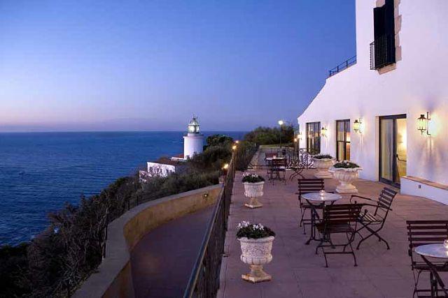 Hoteles con encanto en la costa brava y las mejores for Hoteles con habitaciones familiares en san sebastian