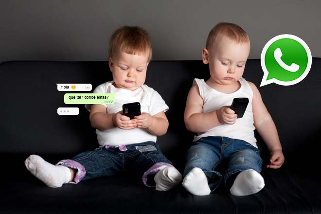 niños escribiendo por whatsapp