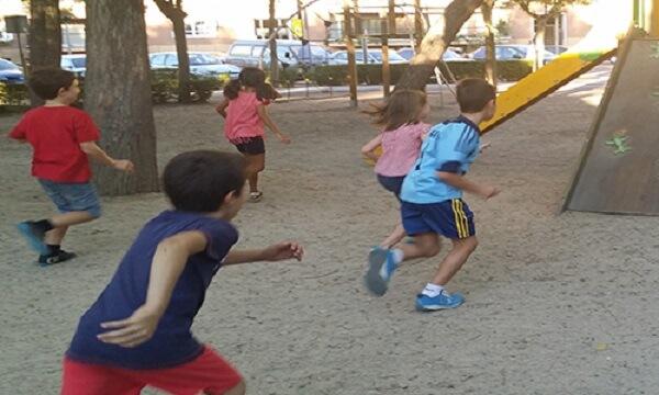 juego de niños policias y ladrones