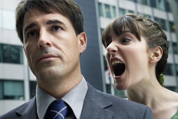insultos inteligentes en discusión pareja